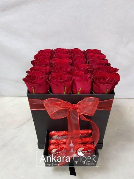Kutuda Kalp Çikolata Kırmızı Gül