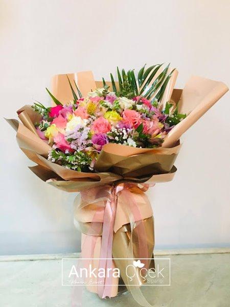 Renkli Çiçek Buketi